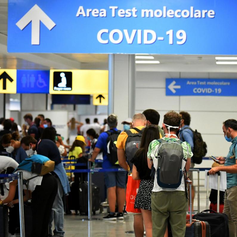 """(): #Coronavirus : le passeport vaccinal """"meilleur instrument de relance disponible"""", pour #Lenglet : ÉDITO - Les déclarations se sont multipliées ce week-end sur le passeport vaccinal. Le gouvernement se montre réticent à.."""