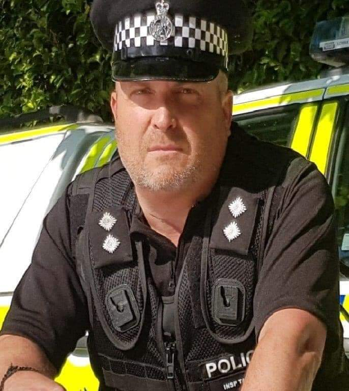 Join  @JeannieBCountry on 'Community First' 1pm  she talks to @InspectorDarren  of Mid Sussex Police, about policing in #EastGrinstead, topics inc Catalytic Converters & drug warrants. Go to #107FM   click 'Listen Live' or #ASKALEXA  #communitypolicing