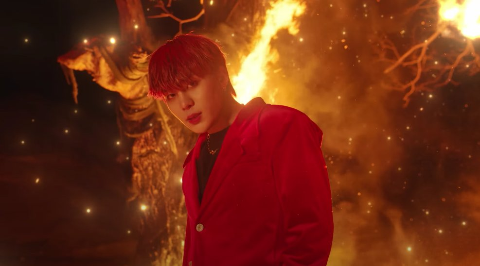 NO THOUGHTS JUST THIS CHOI JONGHO LOOKS    #FEVER_Part_2 @ATEEZofficial #FIREWORKS #불놀이야 #에이티즈  #ATEEZ