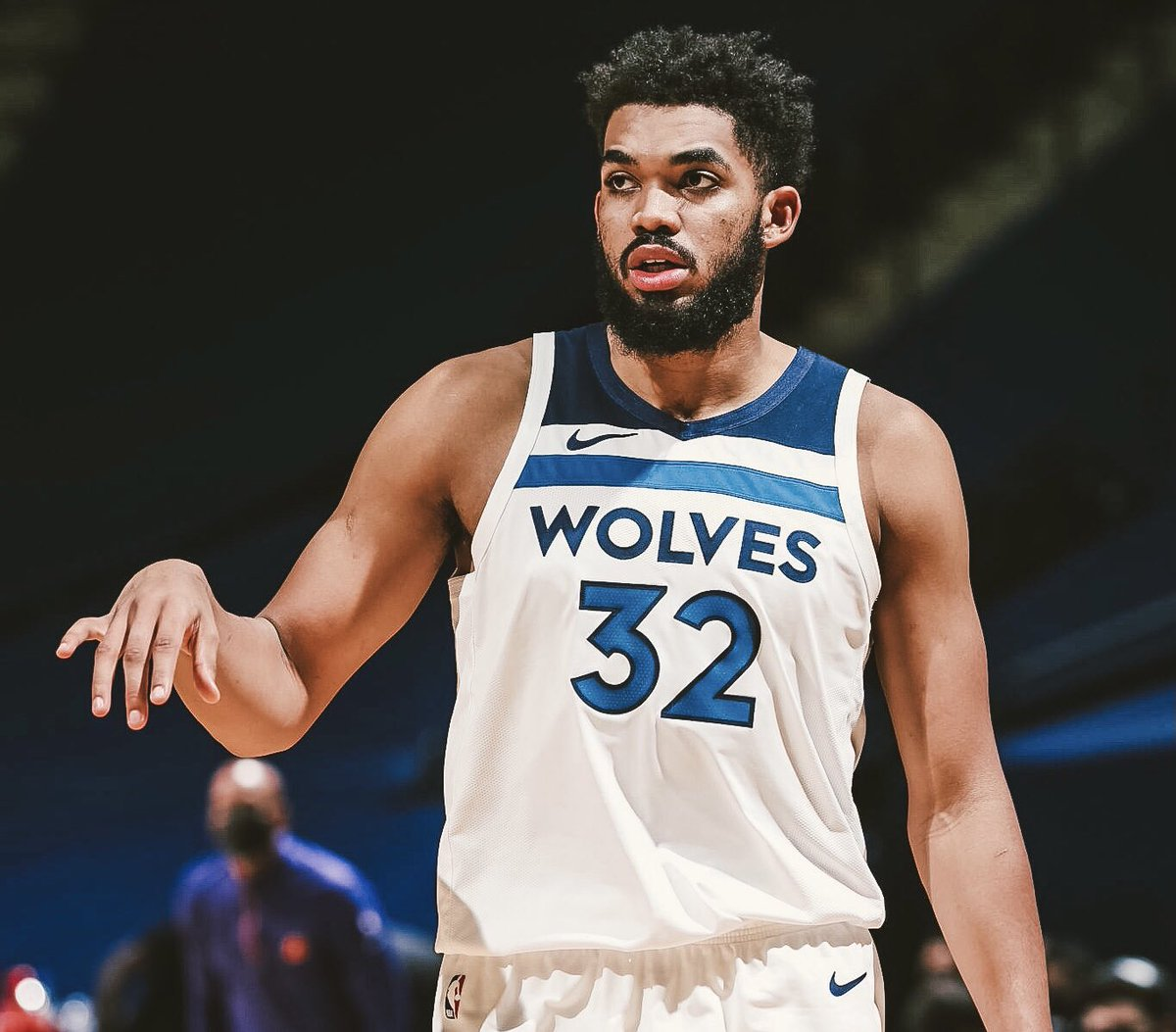 In the last 35 games Karl-Anthony Towns has played in, the Timberwolves record is 5-30.   Should KAT consider forcing his way out of MN? https://t.co/qPfWcmgoDD