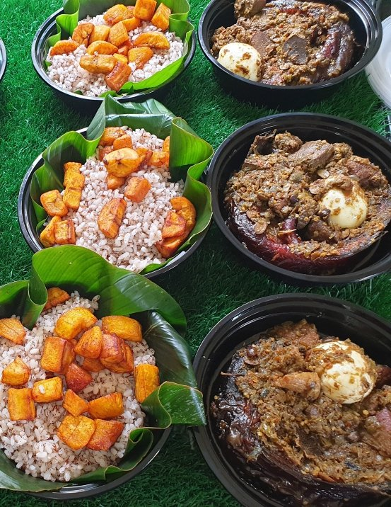 Are you exhausted from work? Or too busy to cook? Or not ready to cook? We can be your reliable plug.  My DM is open. I have all the yummies and delicacies that I am positive you'll love😋 #ifeanyi #400k #1stMarch #Yahayabello #mondaythoughts #COVID19