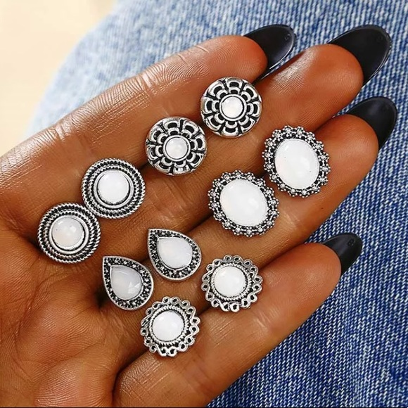So good I had to share! Check out all the items I'm loving on @Poshmarkapp from @queendom_basic @kgcruz #poshmark #fashion #style #shopmycloset #anthropologiedolan: