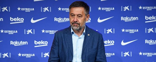 Former Barcelona president #Josep Maria Bartomeu and CEO Oscar Grau have been arrested following a raid at the club's offices . . . . #rakuter #sports #sportscards #mondaythoughts