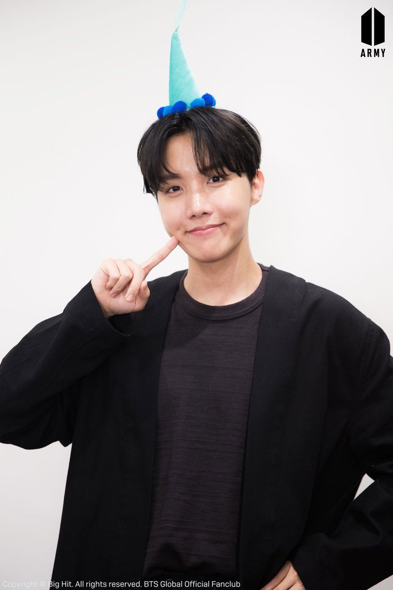 💌 J-Hope letter on @BTS_twt blog  Hoseok has shared his thoughts about the 3rd anniversary of 'Hope World' and the evolution of his music through the years.   ARMY, read the letter and enjoy the extended version of 'Blue Side' 😭 #BE_Log #blueside  #JHOPE #3YearsWithHopeWorld