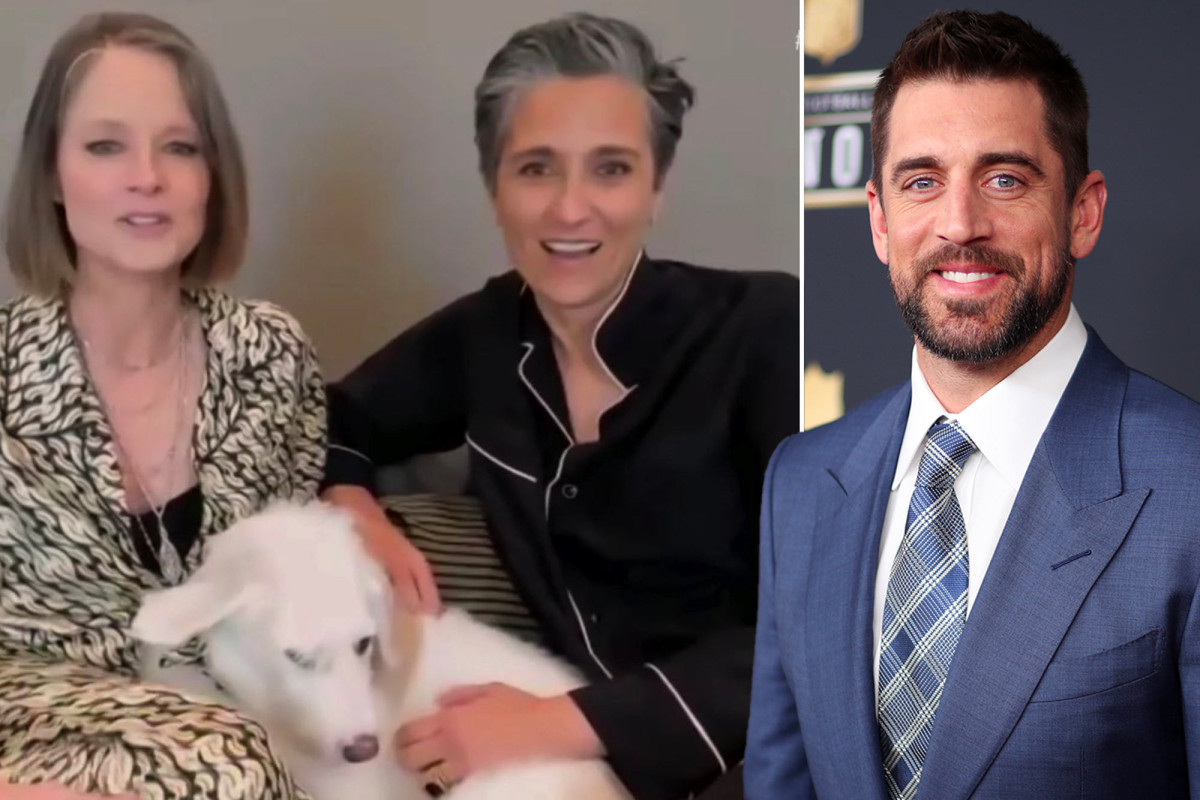 Why did Jodie Foster thank Aaron Rodgers in Golden Globes speech?