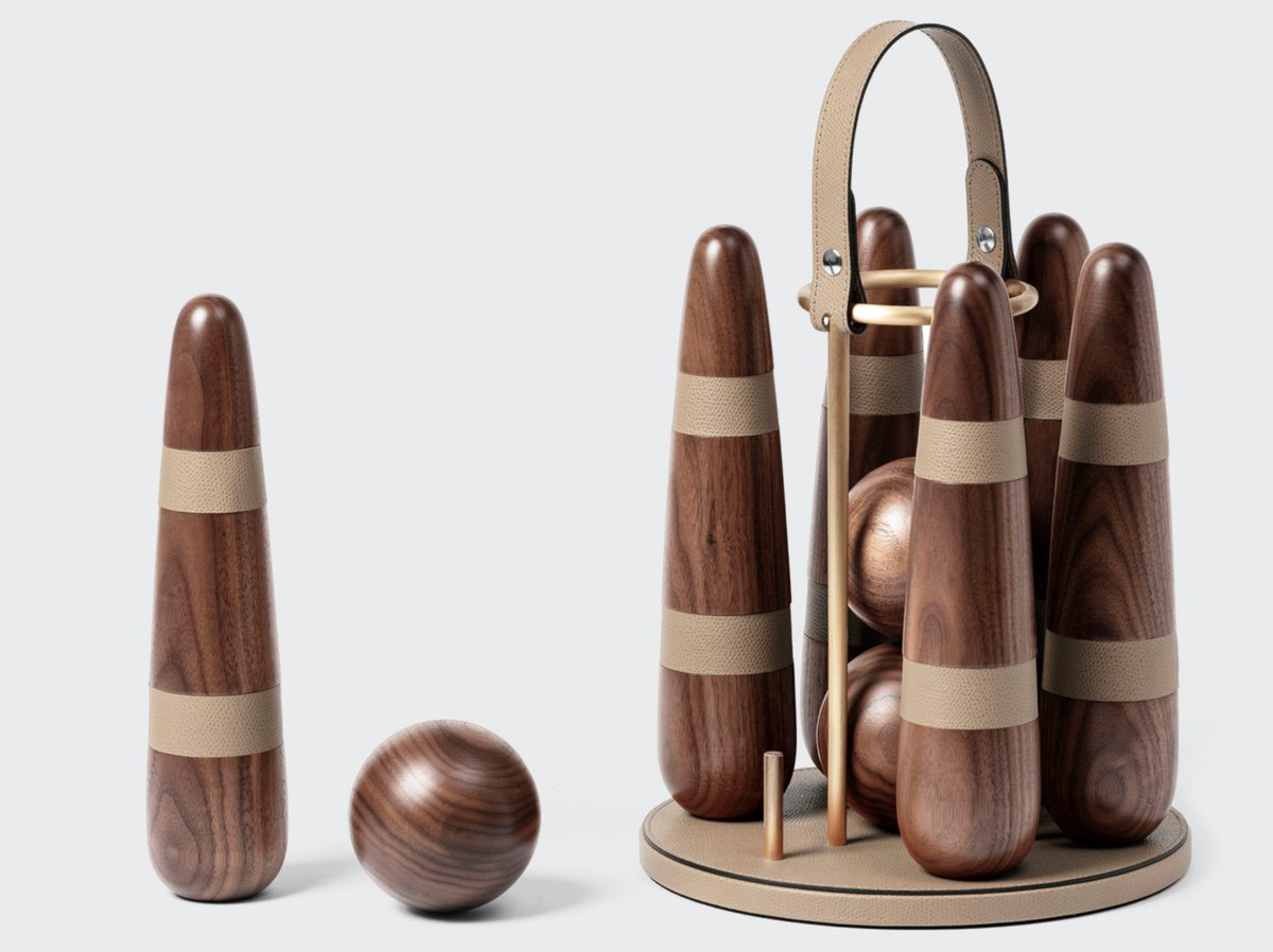 The warmer days are getting us outside more, and how about adding to your collection of lawn games. Perfect for those warm summer evenings to come ❤️ . . #games #luxurygames #leatheraccessories #tableware #bedlinen #toiletries #yachtclients #yachtstewardess #chalets