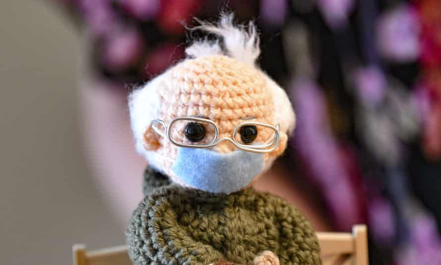 """""""Crochet artist turns viral #BernieSanders image into a doll that sells for $20,000 'I really hope he thinks this is something cool,' said Tobey King, who made the doll and plans to donate the proceeds to charity."""" Read more about it here: 👉 📸The Guardian"""