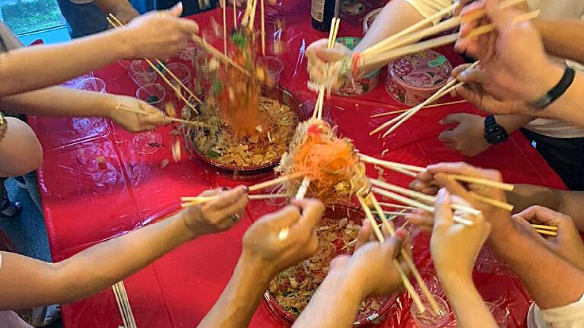 A look back at celebrating the #LunarNewYear last year in the #Singapore office together! 🎊 Enjoying Lo Hei/Yu Sheng for #Renri, the 7th day of the #newyear. 😋  #teamtalend #cny #memories #happynewyear #together #celebration