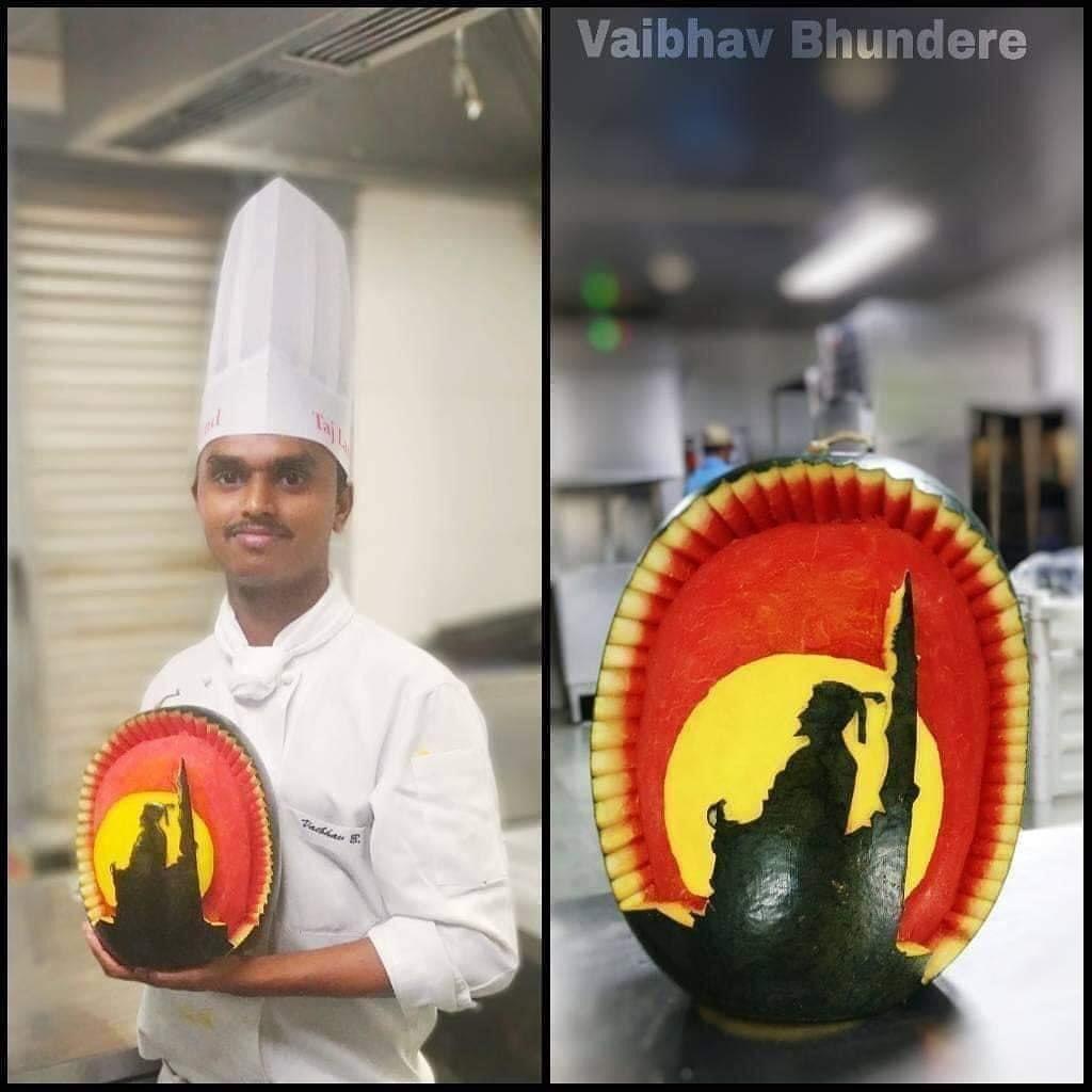 कलींगडाला कोरून साकारलेली छत्रपती शिवाजी महाराजांची प्रतिमा. कलाकार:- श्री.वैभव भुंडेरे 👌🏼🙏🚩   जय शिवराय 🙏🚩 #MarathiManoranjanVishwa  #जयशिवराय  #ShivajiMaharaj