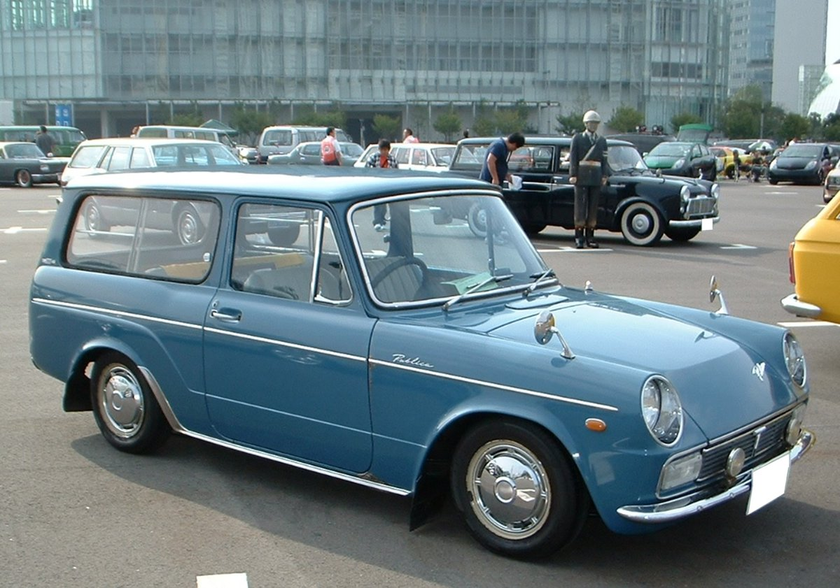 A #Toyota #Publica 800 #Van DeLuxe from #1960s #Japan 🇯🇵 Never ever ever seen one #rare #cool 😎
