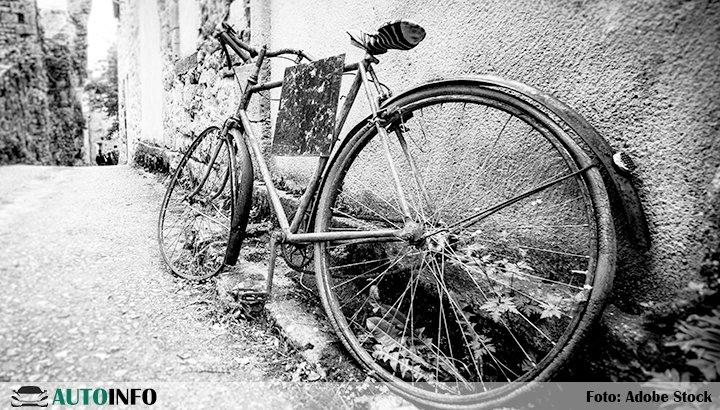 18-jarige fietsster om het leven gekomen bij aanrijding in #Katwijk Lees verder:..