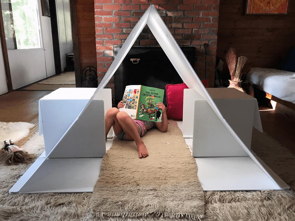 Haus, la maisonnette ludique et moderne pour les enfants par Janos Stone Infos, photos et vidéo ici :   #design #modern #playful #playhouse #kids #blank #canvas #creativity