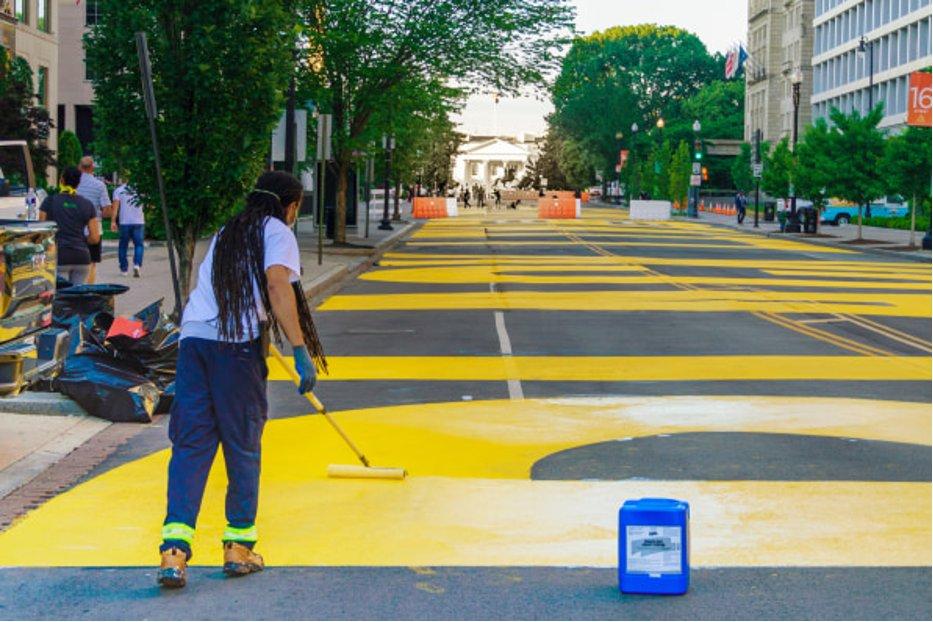 Big #WomensHistoryMonth salute to @kayemjay6 of @CHACC_DC, one of the artists who painted #BLM Plaza. Chat with her on March 17: