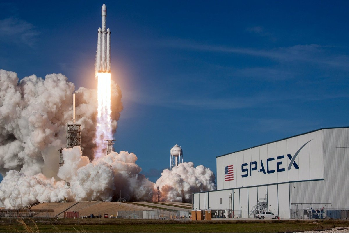 SpaceX Postpones the Launch of 60 Starlink Satellites at the Last Second https://t.co/IfFq91NbVP https://t.co/9HMw58Jldj