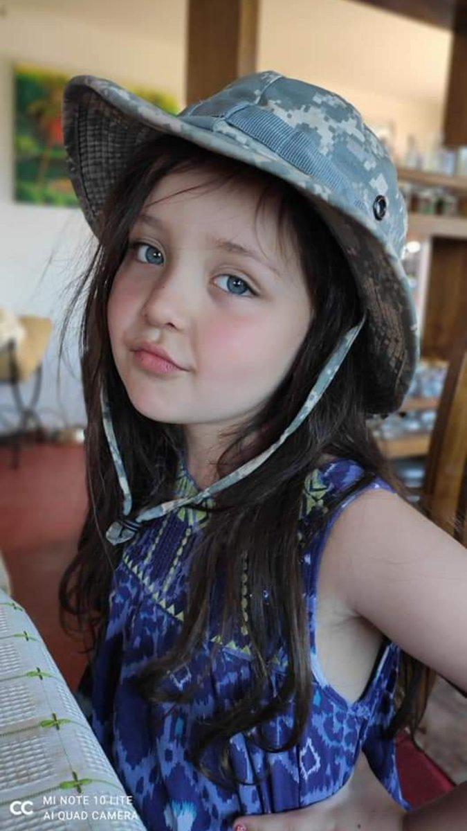 #Justiciaparatamara Mi sobrina Tamara Moya Almonacid, ayer por la noche falleció por culpa de delincuentes en Huechuraba, 5 añitos tenía nuestro angelito. Queremos justicia