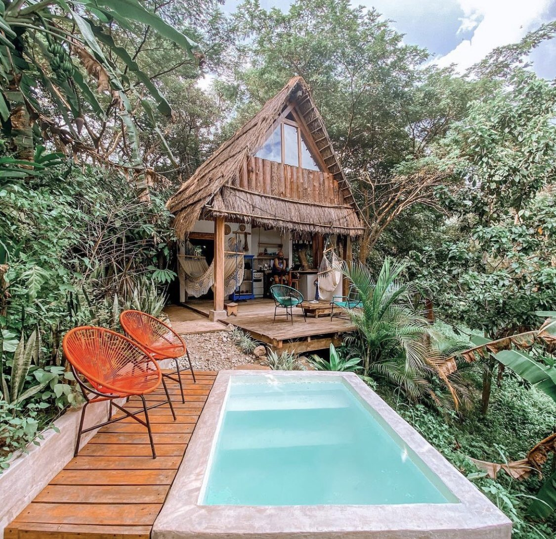 Replying to @SalvadoranPride: The Jaraguah bungalow in Chalatenango is perfect for nature lovers visiting El Salvador. 🇸🇻