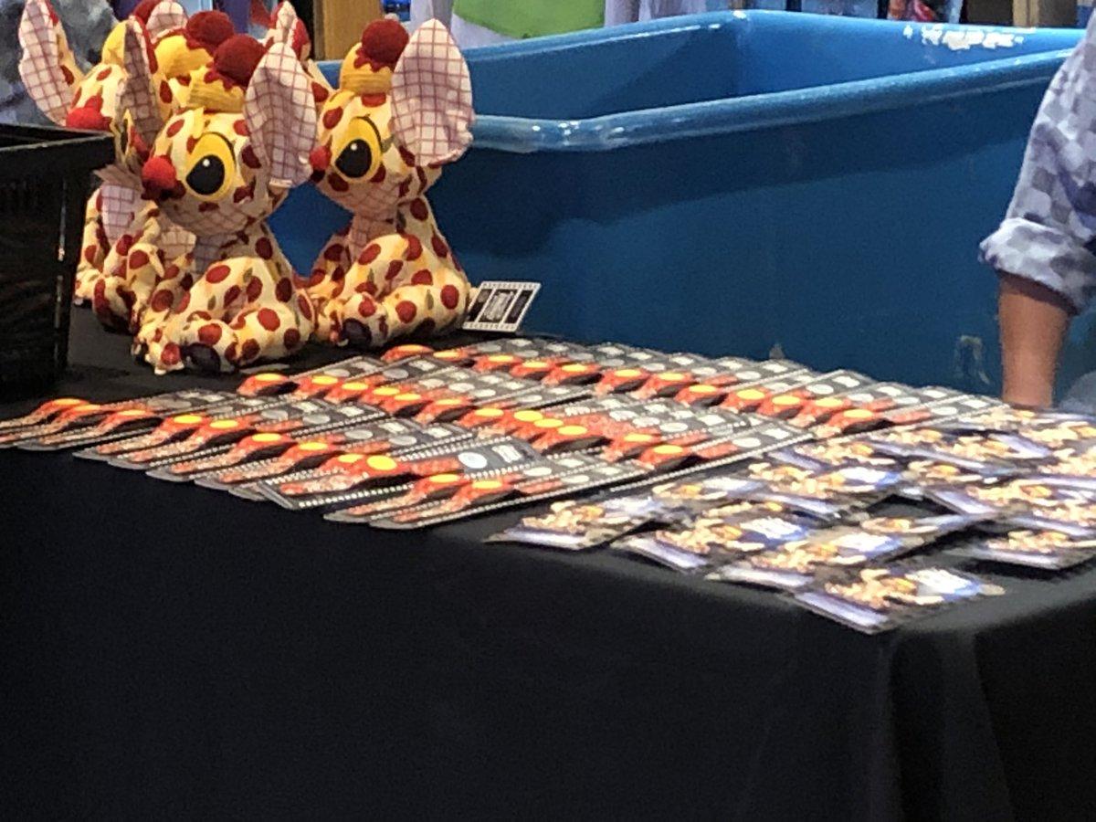 ワンワン物語✖️ #スティッチ のコラボ商品の発売日 ワールドオブディズニーにはこのスティッチ を買うのに長い行列が。。  #海外ディズニー #フロリダディズニー
