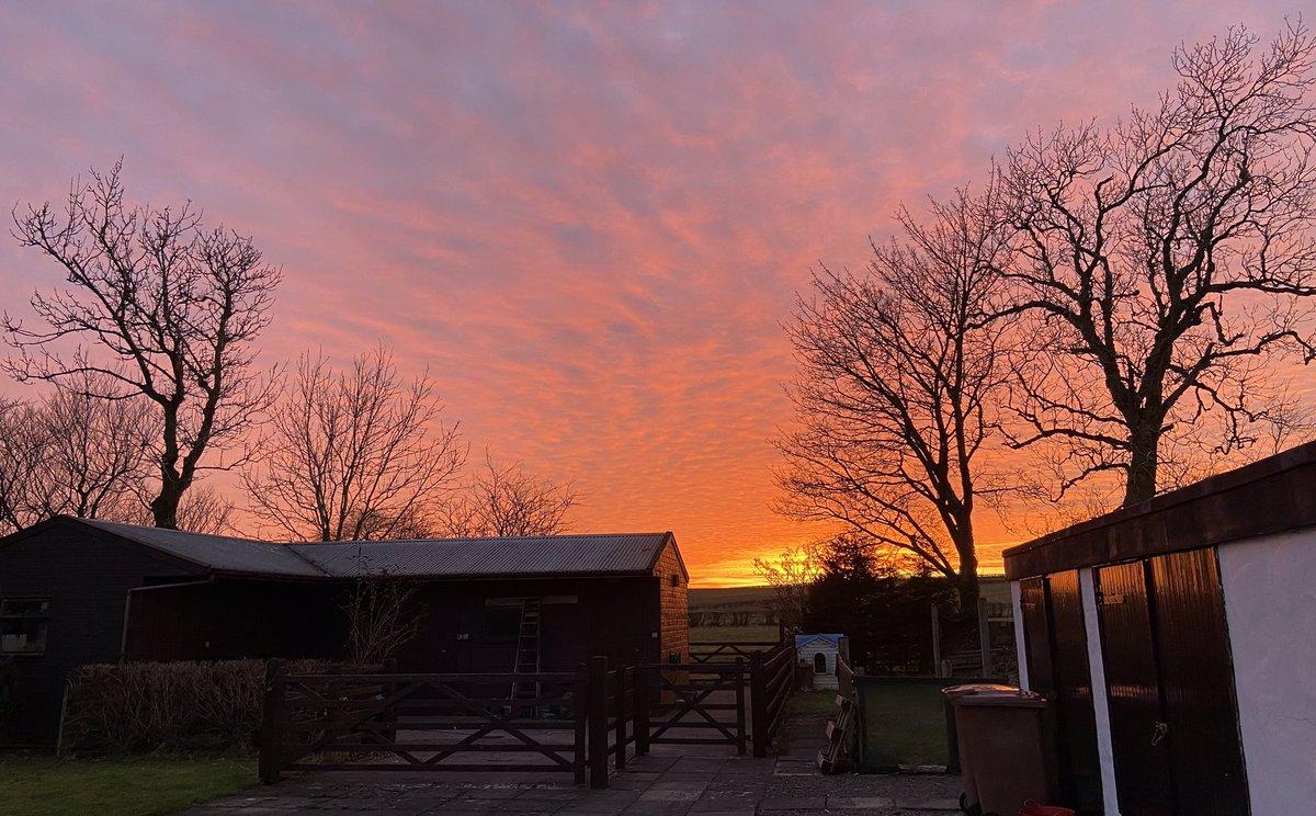 Incredible sunset tonight @SeanBattyTV  #ayrshire #weather #sunset #nofilter #iphone