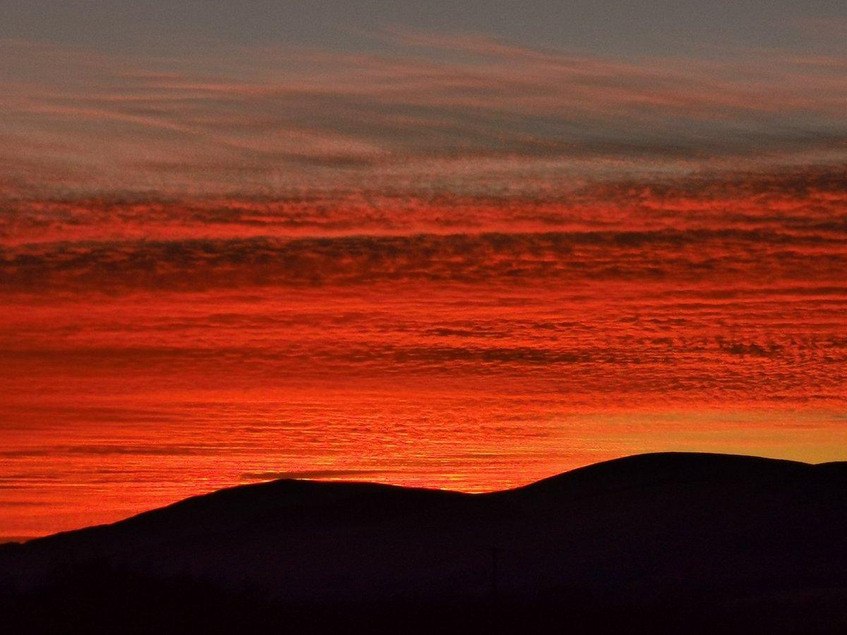 Awesome #Sunset #nofilter #ochilhills #ochils