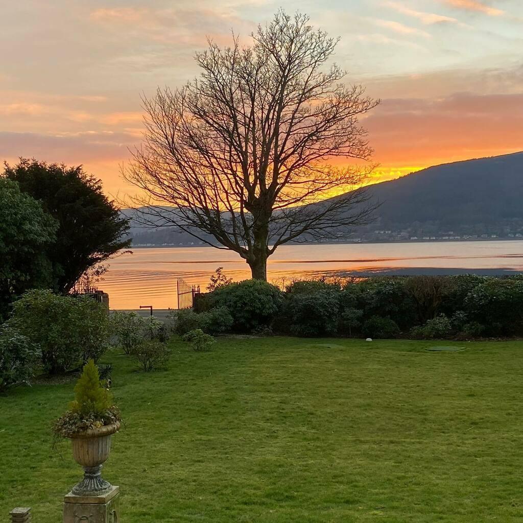 Stunning sunset over Loch Long this evening #nofilter