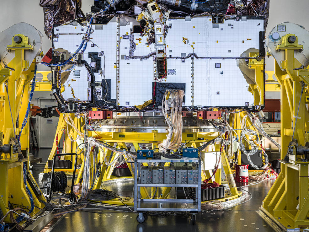 ✅ ✅ Two milestones, complete!  The #NASAWebb has concluded testing to confirm that the telescope's internal electronics are functioning as intended, and that its 4 instruments can send & receive data through the same network it will use in space: