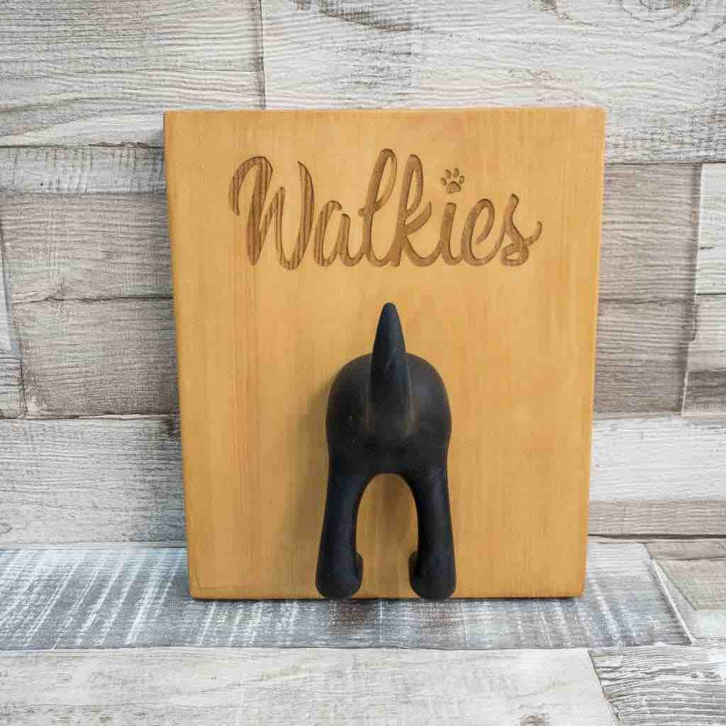 This beautifully #handcrafted wooden #dog lead and accessory hanger is the pawfect addition to any dog-loving household 🐕  Treat the pup in your life to a pawgus #gift     #inbizhour #SmallBiz #dogsoftwitter