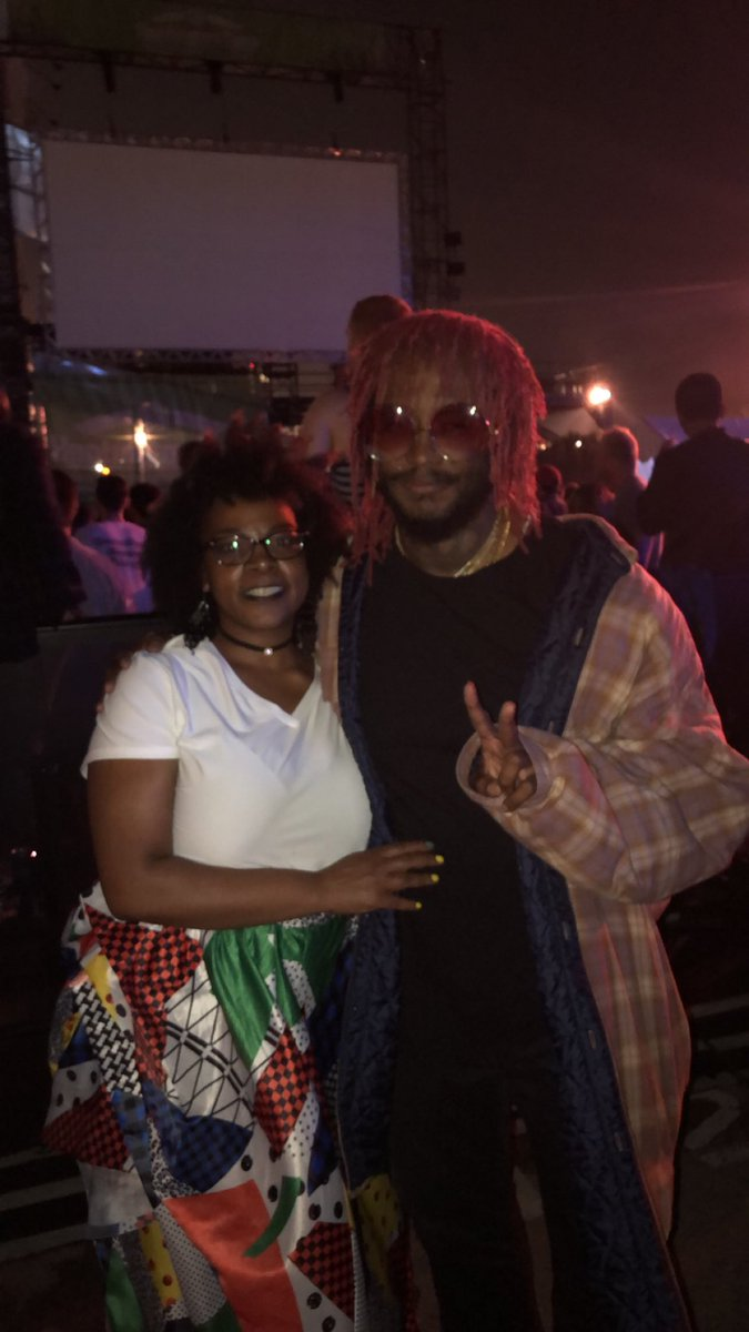 my mom fr had me take a picture of her and thundercat two years ago, amazing