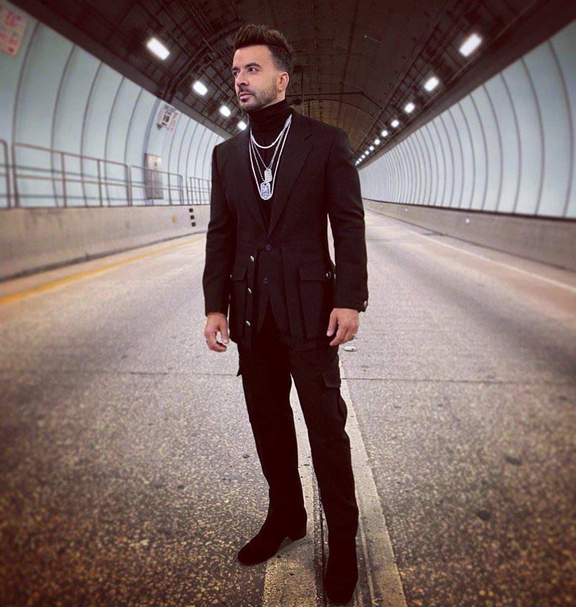 Replying to @LuisFonsi: Tunnel vision #Vacio