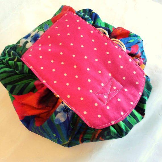 Makeup Bag Round, Cosmetic Bag  #etsy #etsyshop #etsyseller #etsyhandmade #makeupbag #cosmetics