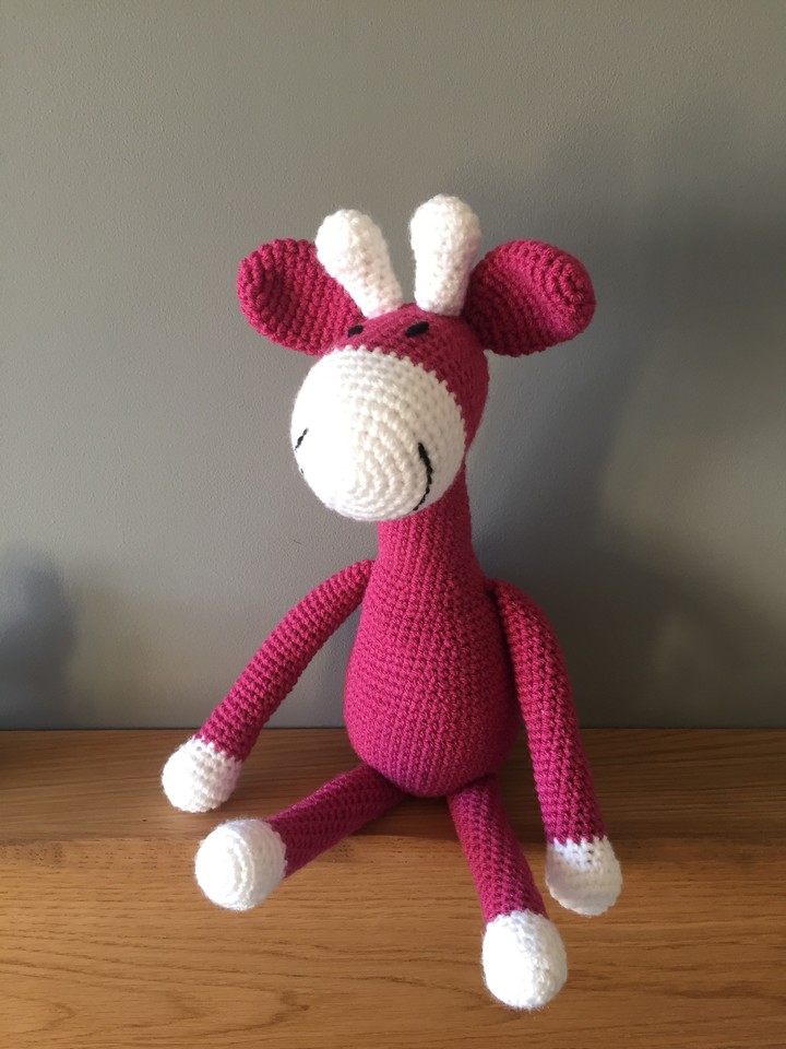 Are you looking for a gift for a new arrival?  This giraffe is looking for a loving home 😍    #Londonislovinit  #handmade #giftideas  #babygift #etsyshop #giraffe #RTmeBB #shopsmall
