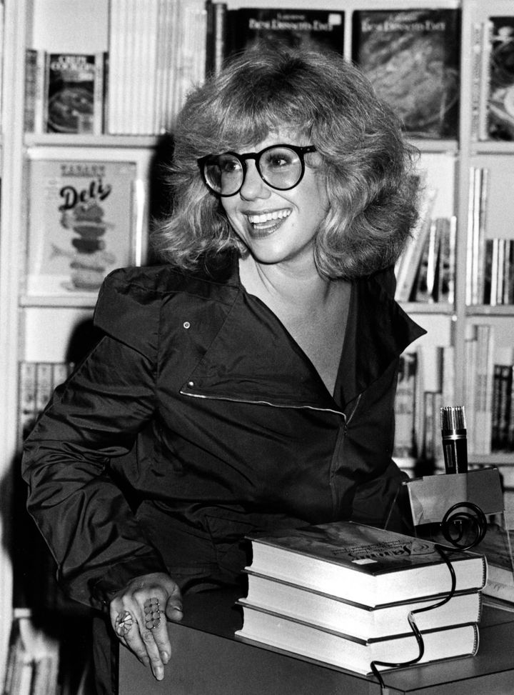 """In honor of #WomensHistoryMonth2021, I would like to pay homage to Erica Jong author of Fear of Flying who coined the term """"zipless fuck"""".  One of the #FirstNovel I read, probably explains a lot about me. #writerslift #writerscommunity"""