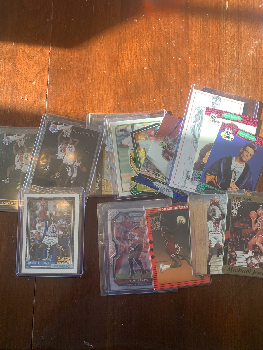 Most epic mail day! Some for my pc some to cut up! #whodoyoucollect #MJ #Shaq #RickeyHenderson #YoMtvRaps #TomBrady #prizmfootball #cardart