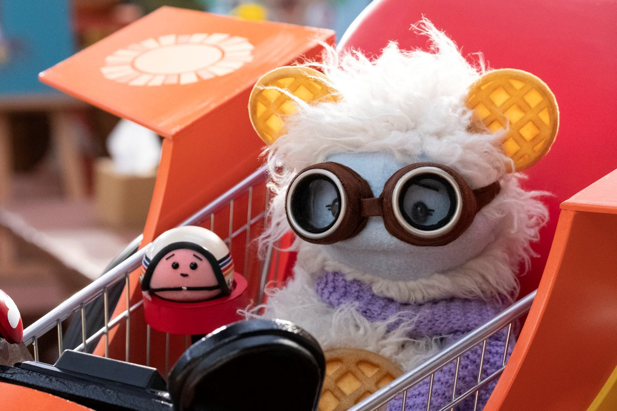 #WafflesAndMochi are heading to Netflix this month.  See the full list of titles hitting the streamer in the coming weeks: