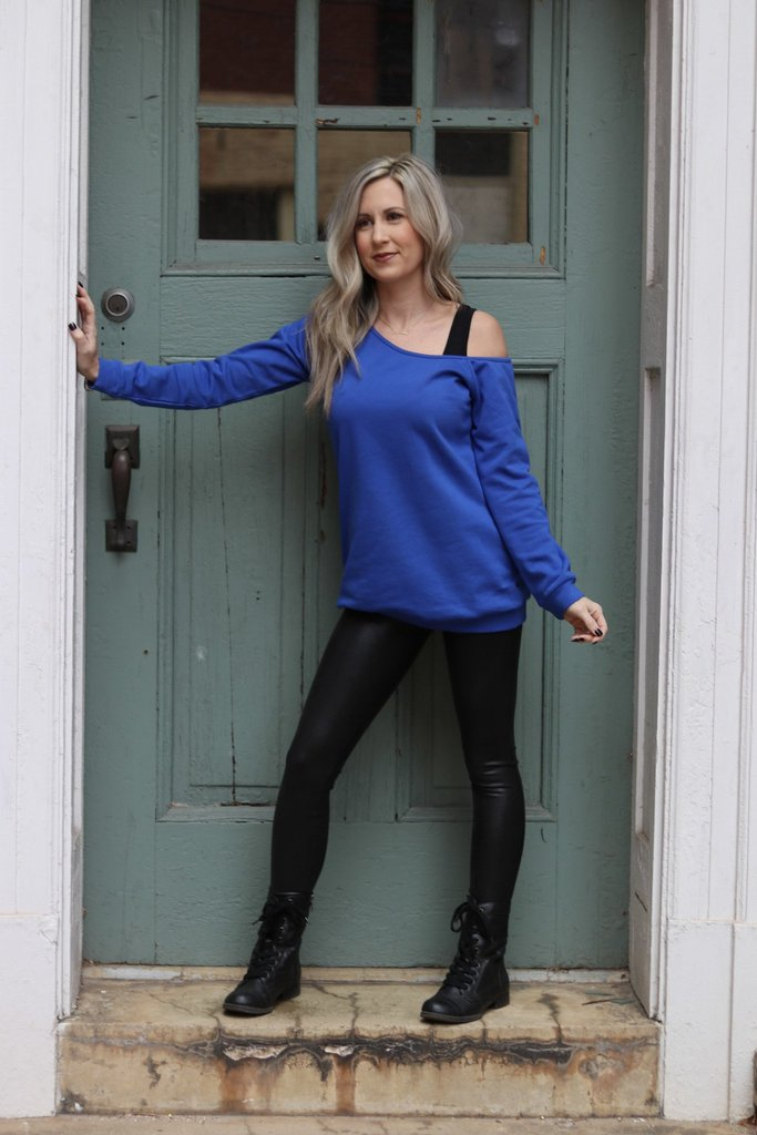 😍Off The Charts Top In Royal Blue😍 🛍 Shop now at    💵 Get Now, Pay Later with Klarna #momlife #ootd #womensfashion #styled#aydanstone