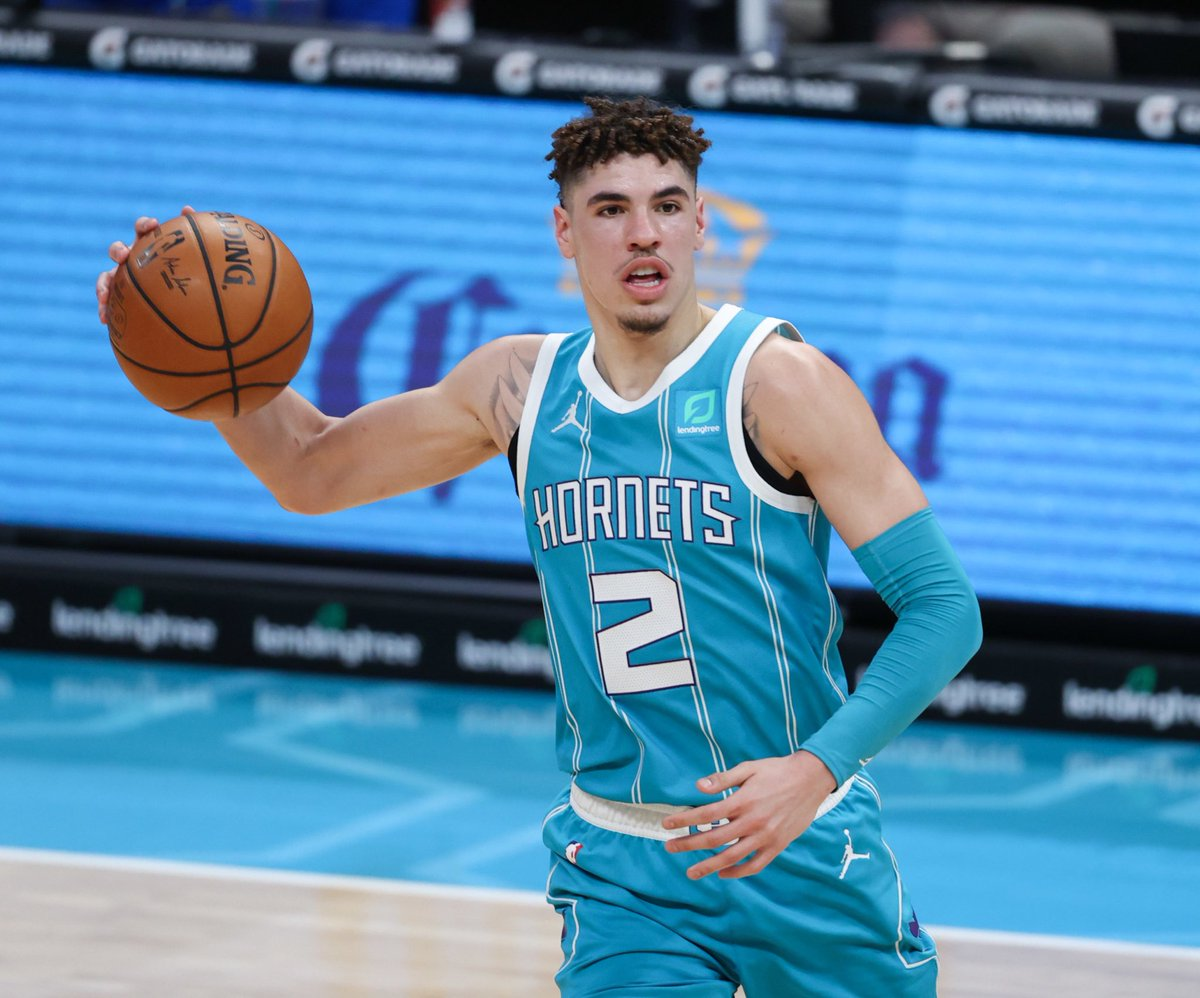 LaMelo Ball since he was named a starter:  20.8 PPG 6.1 RPG 6.8 APG 46.0 FG% 43.0 3P% 86.0 FT%  ROOKIE OF THE YEAR. 💪💪💪  (stats via @statmuse) https://t.co/67mjMF0Nvi