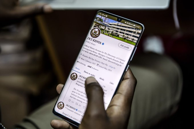 Kenyan police are using Twitter to become known as crime fighters, not killers Photo
