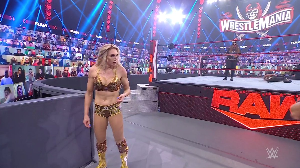 Replying to @WWE: The Queen withstood the odds to secure the win over @QoSBaszler.   #WWERaw @MsCharlotteWWE
