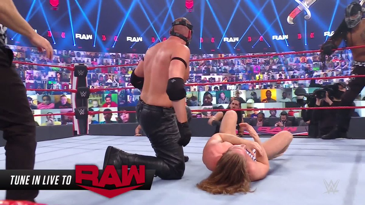 Replying to @WWE: #LuchaHouseParty + @SuperKingOfBros = 🔥🔥🔥🔥🔥  #WWERaw