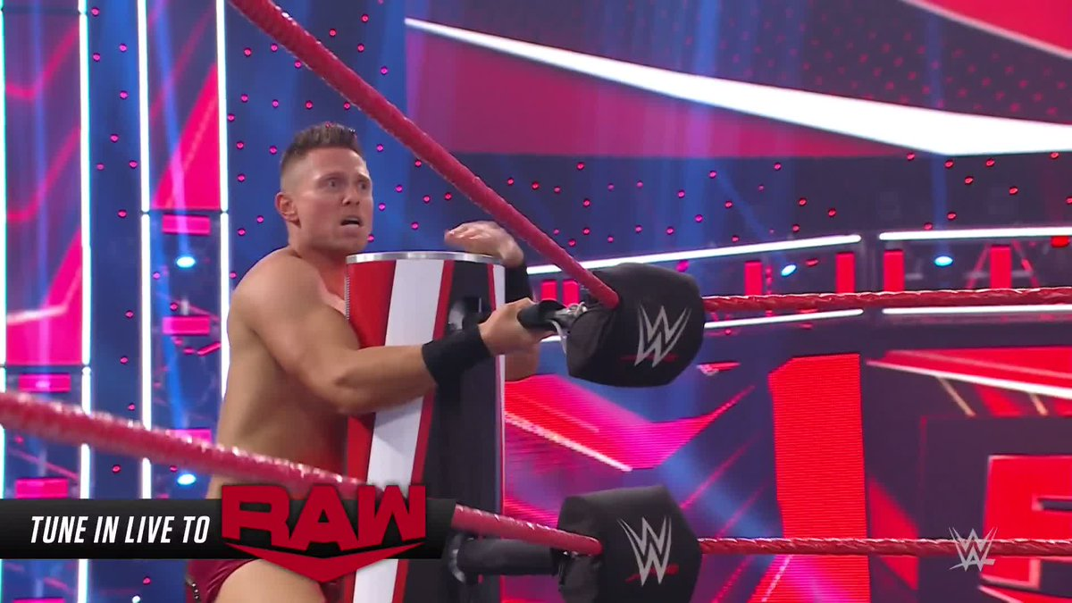 There is absolutely nowhere for @mikethemiz to run.  @fightbobby finally has his #WWETitle opportunity! #WWERaw