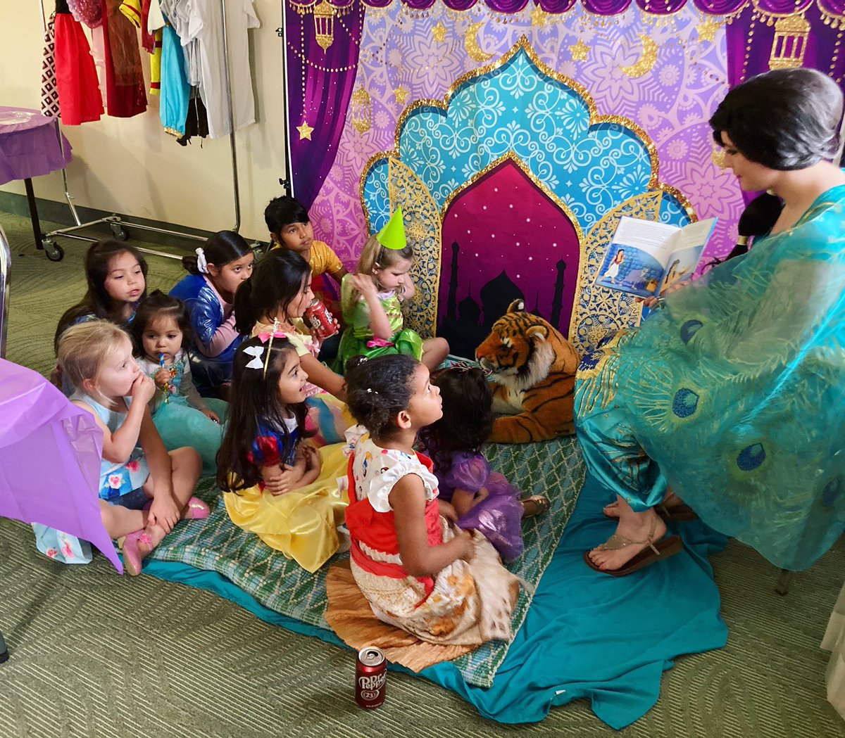 Gather around, my little jewels~! 💎 And I shall tell you a tale: full of magic, daring sword fights, even a prince in disguise! 🤴 📚 #arabianprincess #storytelling #party