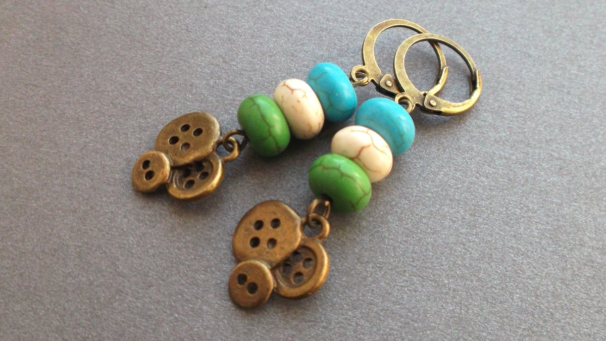 earring boho buttons, mix turquoise (howlite). bonanza.com/listings/earri…