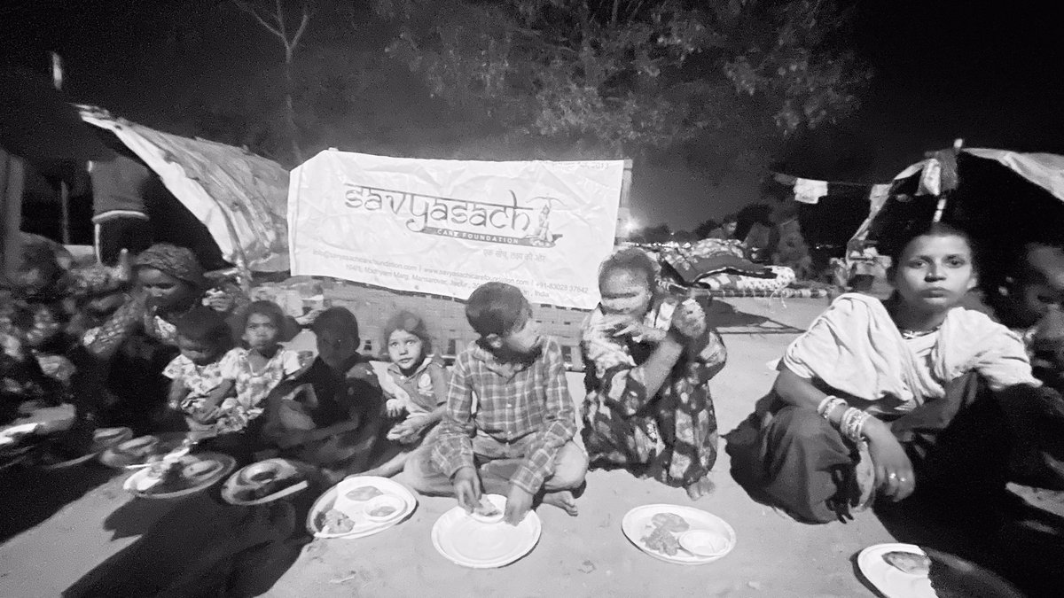 """""""There is no finer investment for any community than feeding the needy.""""  Let's come forward and donate at    #food #need #fund #fundraising #volunteer #volunteering #support #savyaschicarefoundation #help #rajasthan #india #society #children #smile #hunger"""