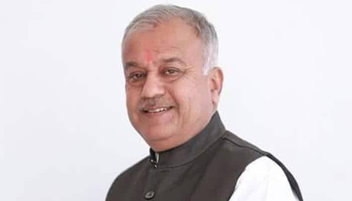 .@BJP4MP के पूर्व प्रदेश अध्यक्ष व खंडवा (मध्य प्रदेश) से सांसद श्री नंद कुमार सिंह चौहान जी के निधन का अत्यंत दुखद समाचार प्राप्त हुआ।  मेरी ईश्वर से प्रार्थना है कि प्रभु उनकी आत्मा को अपने श्री चरणों में स्थान दे व परिवारजनों को यह दुख सहन करने की शक्ति प्रदान करें। ।ॐ शांति।