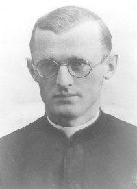 """Heute vor 76 Jahren starb der Sel. Pater Engelmar Unzeitig  @CMMMariannhill im Konzentrationslager Dachau an Typhus. Er war wegen """"Verteidigung der Juden"""" inhaftiert und hatte sich zur Pflege der Typhuskranken gemeldet.   🙏 Sein Tod sei uns Mahnung, sein Leben Vorbild! 🙏"""