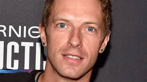 Born 02/03/1977 - Chris Martin, singer-songwriter, pianist, guitarist, and the lead vocalist and co-founder of Coldplay. The band had the 2000 UK No.4 single 'Yellow', and the 2000 UK No.1 album Parachutes and the 2005 worldwide No.1 album X&Y.