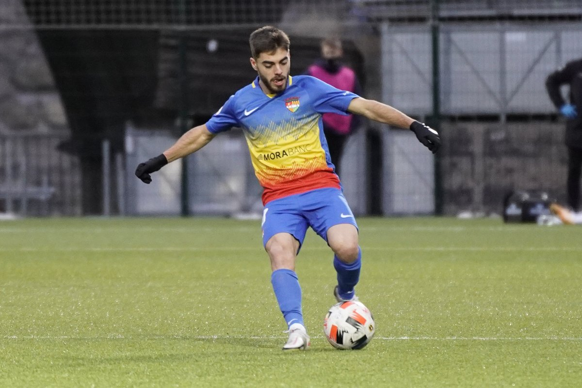🔋 860 minuts en 15 partits, i dues assistències de gol. És un dels jugadors més regulars de la temporada: @MartiVila5.  #SomTricolors 🔵🟡🔴