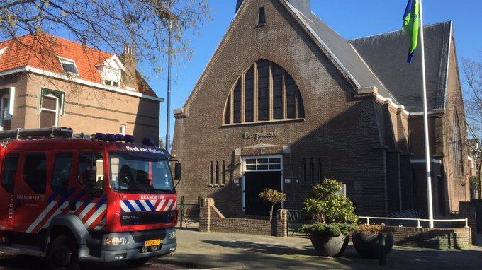 Middelbrand in keuken achter de Dorpskerk in Hoek van Holland is inmiddels geblust, meer info volgt https://t.co/sIAEot4vV8