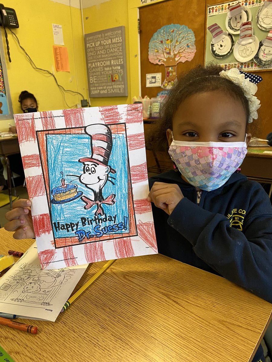 Happy #ReadAcrossAmericaDay & #DrSeuss Birthday! ❤️🤍❤️@icschool_online
