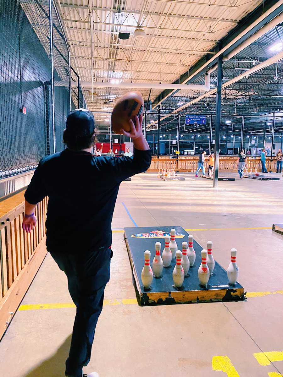 This past weekend we were finally able to get out of the office and have some fun team bonding! It was so great to all be together and try fowling for the first time! 😄🏈🎳  #fowling #teambonding #grandrapids #FridayMotivation #Local #DataAnalytics #officelife  #FridayVibes