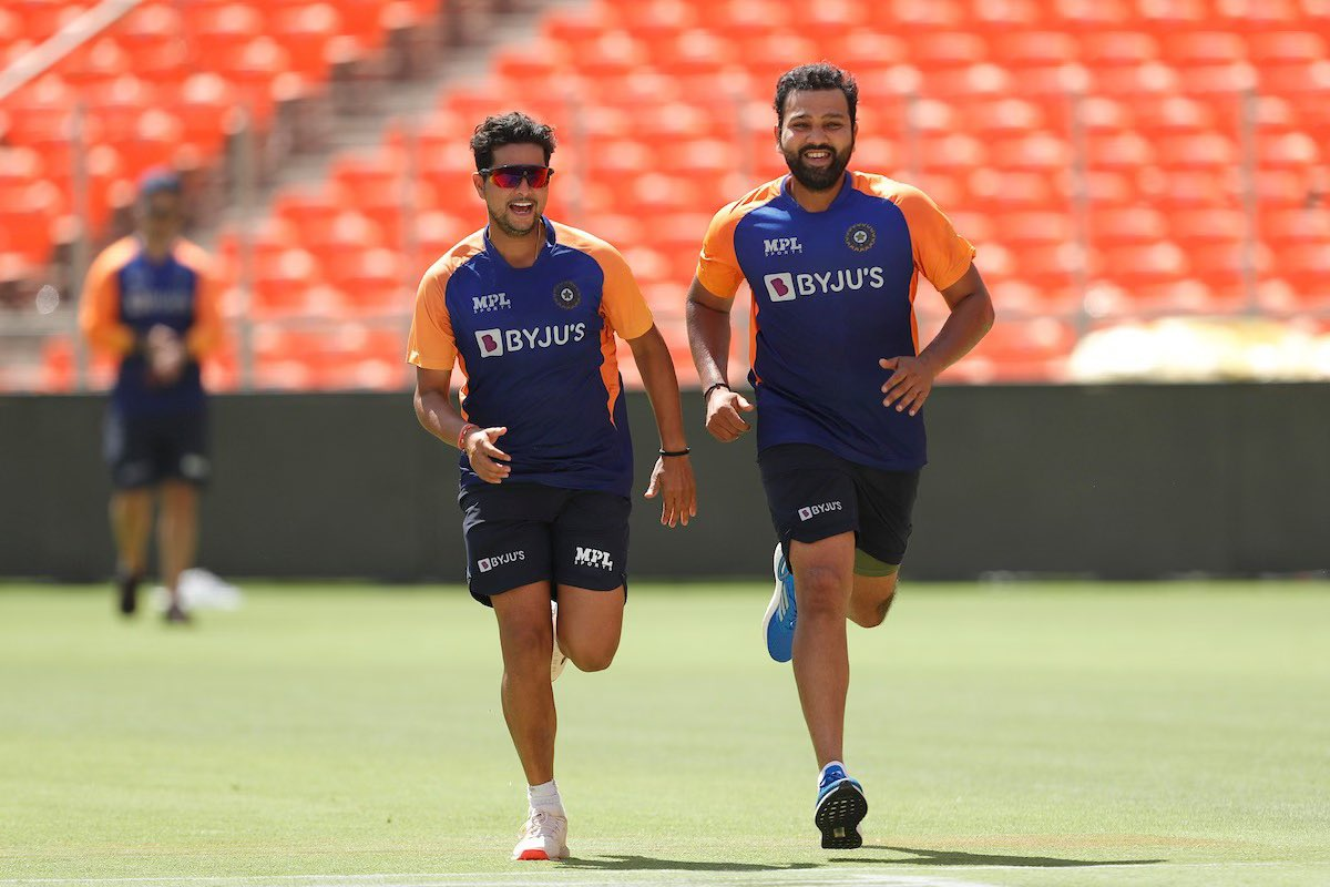 This is us ringing Pujara's door bell and scampering, after fielding for 2 days 😀 @cheteshwar1  @imkuldeep18